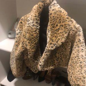 Jackets & Blazers - Faux fur cheetah coat